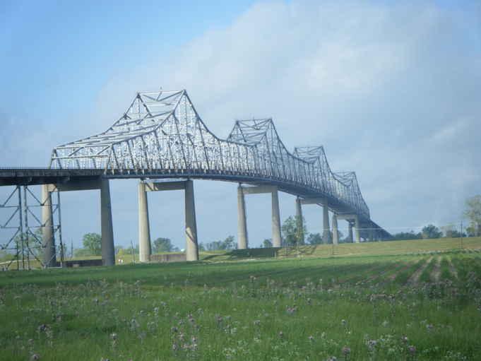 Mississippi River (Sunshine Bridge)-1